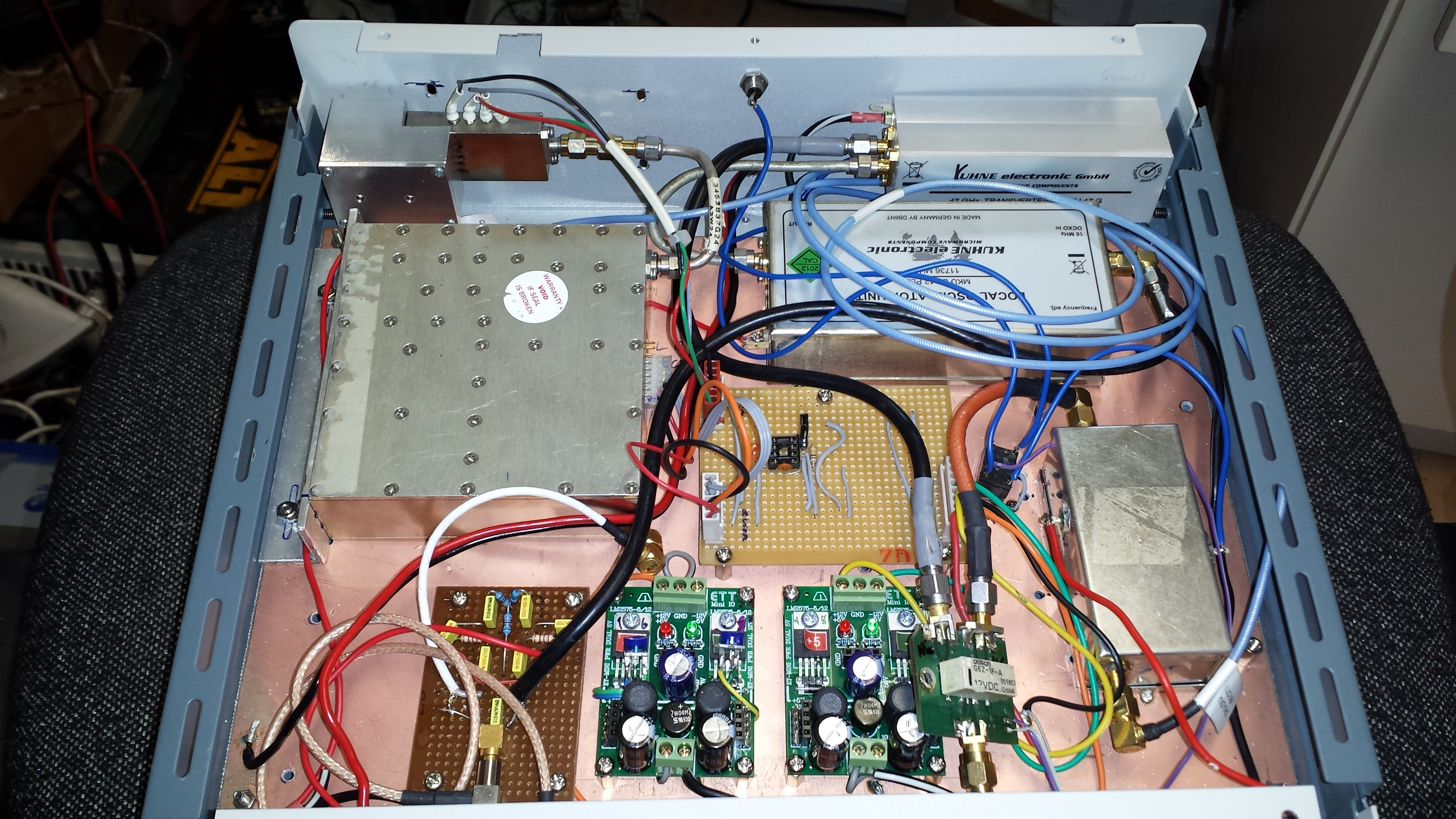 76 GHz Transverter - VK2DAG - 472 KHz to 474 THz -